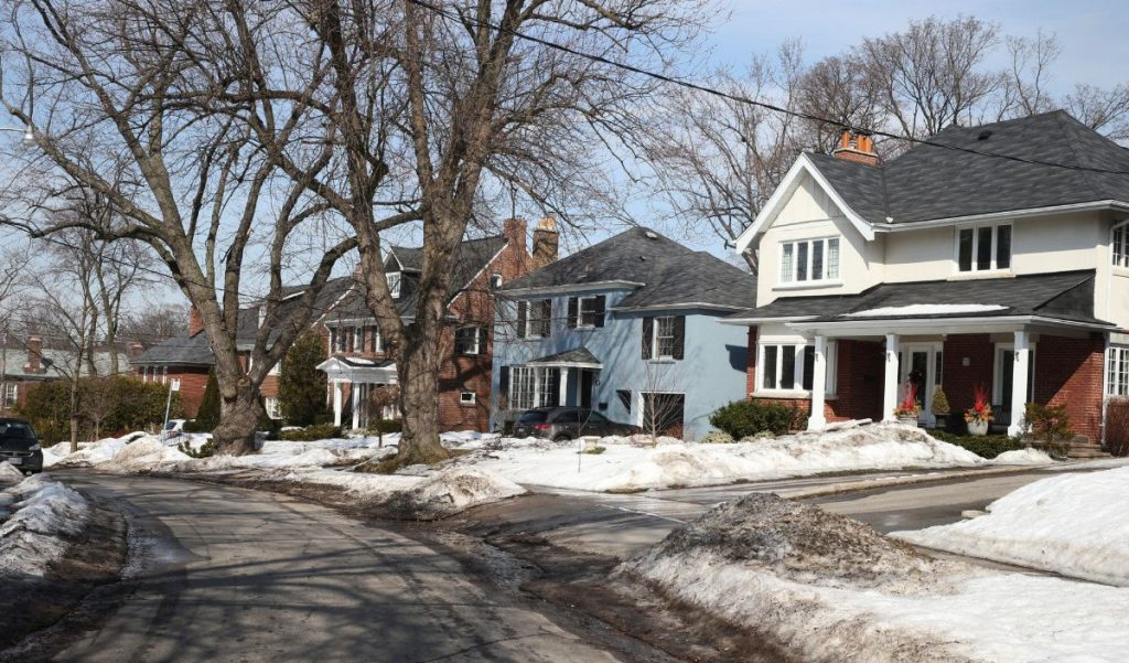 lawrence_park_houses