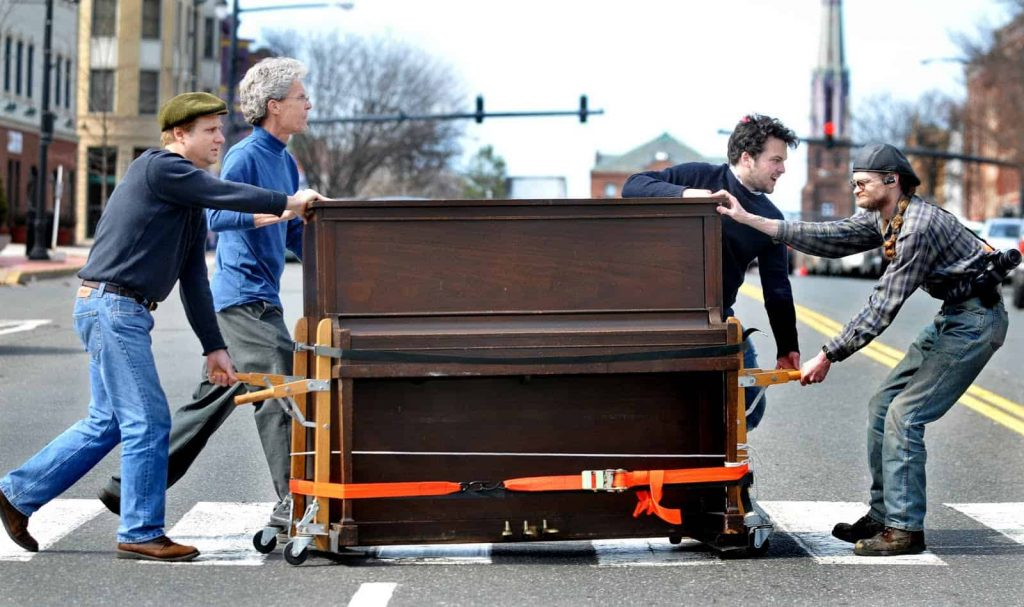 we-move-GTA-piano