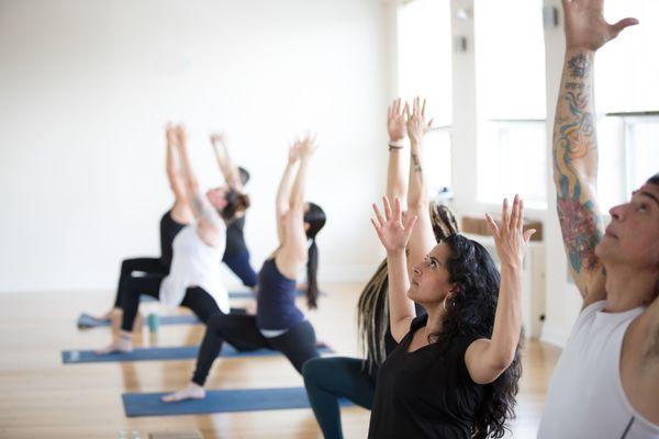 modo-yoga-bloor-west